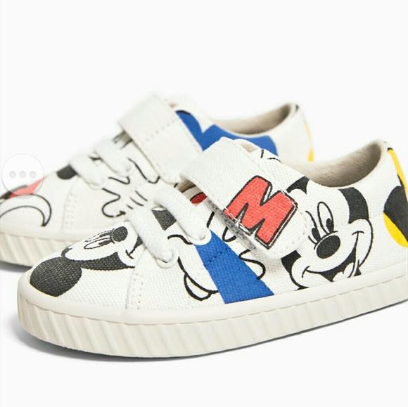 Sneaker tipo converse de zara mickey minnie